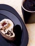 Cuvette de gâteau et de café photographie stock