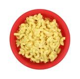 Cuvette de rouge de fromage de macaronis photos libres de droits