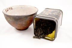 Cuvette de thé avec du thé vert photos libres de droits