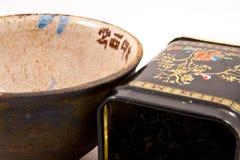 Cuvette de thé avec la boîte à thé photographie stock libre de droits