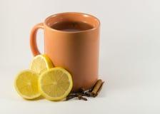Cuvette de thé avec le citron Photo stock