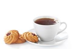 Cuvette de thé et de biscuits chauds Photo libre de droits