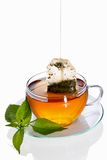 Cuvette de thé avec le sachet à thé (concept) Photographie stock