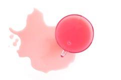 Cuvette en verre avec une boisson rose Image libre de droits