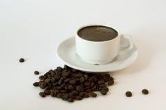 Cuvette et soucoupe de café blanc photographie stock libre de droits