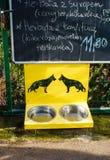 Cuvettes de chien Photo libre de droits
