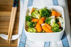 Cuvettes de légumes de variété Images stock