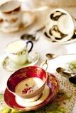 Cuvettes de thé antiques de porcelaine images libres de droits