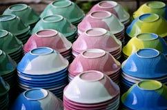 Cuvettes en céramique images libres de droits