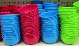 Cuvettes en plastique Photographie stock libre de droits