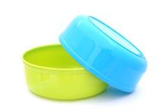 Cuvettes en plastique de l'eau Images libres de droits