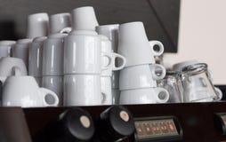 Cuvettes pour le café. Image stock