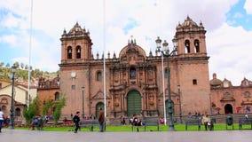 CUZCO, PERÚ 23 DE NOVIEMBRE DE 2015: catedral en Cuzco almacen de metraje de vídeo