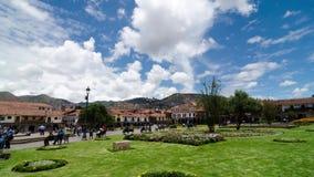 CUZCO, PERÚ, EL 8 DE FEBRERO DE 2017: Timelapse de la opinión del día de Plaza de Armas, Cusco céntrico almacen de metraje de vídeo