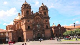 CUZCO, PERU AM 23. NOVEMBER 2015: De Jesus Iglesia de la Compania stock footage