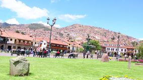 CUZCO, PERU AM 23. NOVEMBER 2015: Plaza de Armas stock footage