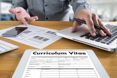 CV - Curriculum vitae (conceito da entrevista de trabalho com o CV do negócio com referência a fotografia de stock royalty free