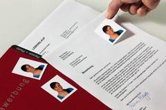 CV y carta de la aplicación en alemán Foto de archivo libre de regalías