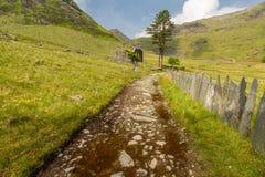 Cwmorthin, κρεμώντας κοιλάδα στη βόρεια Ουαλία με το παρεκκλησι Στοκ εικόνες με δικαίωμα ελεύθερης χρήσης
