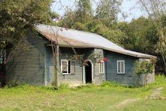 Старый cyan деревянный дом Стоковая Фотография
