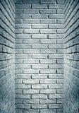 Cyan tonat slut för tegelstenvägg av korridoren, abstrakt bakgrund p Fotografering för Bildbyråer