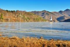 Cyanide See bei Geamana Rumänien Stockfotos