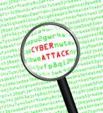 Cyber atak wyjawiający w komputerowym maszynowym kodzie przez powiększającego Obraz Royalty Free