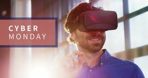 Cyber-Montag-Text und -mann unter Verwendung des Kopfhörers 4k der virtuellen Realität stock footage
