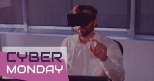 Cyber-Montag-Text und -mann unter Verwendung des Kopfhörers 4k der virtuellen Realität stock video footage