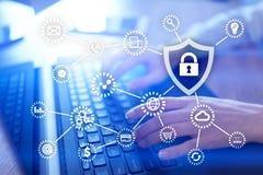 Cyber ochrona Dane ochrona Ewidencyjna prywatność Kłódki ikona na wirtualnym ekranie obraz stock