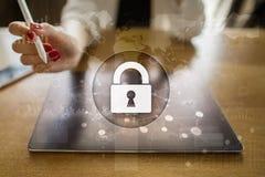 Cyber ochrona, dane ochrona internet technologia i biznesu pojęcie obraz stock