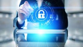 Cyber ochrona, Ewidencyjna prywatność, dane ochrona Interneta i technologii pojęcie na wirtualnym ekranie zdjęcie royalty free