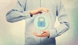 Cyber ochrona z biznesmenem zdjęcia royalty free