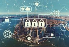 Cyber ochrona z widok z lotu ptaka NY linia horyzontu obraz stock