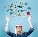 Cyber Poniedziałek z młodą kobietą zdjęcie stock