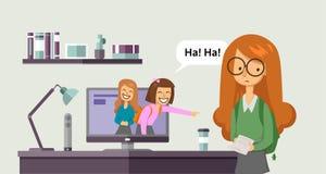 Cyberbullying som fiska med drag i Tonårs- flickor som skrattar och pekar på en annan flicka från datorbildskärm begreppsvektor royaltyfri illustrationer