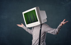 Cybermens met een van de het monitorscherm en computer code inzake displ Stock Foto's