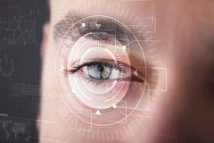Cybermens met het technolgy oog kijken royalty-vrije stock afbeeldingen