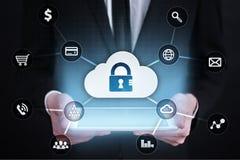 Cybersäkerhet, dataskydd, informationssäkerhet och kryptering internetteknologi och affärsidé arkivfoto