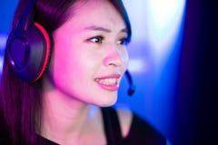 Cybersport-Gamer haben Livestrom lizenzfreie stockfotos