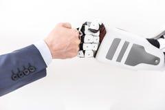 Cyborg moderno que cumprimenta o homem vivo Fotos de Stock