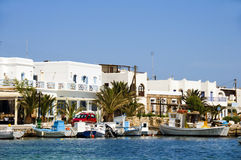 Cycladen van de haven Griekse eilandantiparos Stock Afbeeldingen