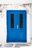 Cycladic błękita drzwi zdjęcia stock