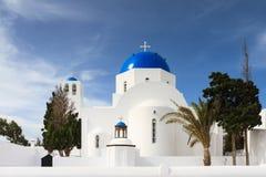 Cycladic kyrka av Firostefani Arkivbilder