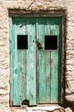 Cycladic zieleni drzwi obrazy royalty free