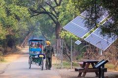 Cycle rickshaw walking in Keoladeo Ghana National Park in Bharat Stock Photography