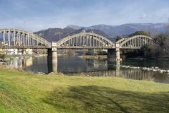 Cycleway κατά μήκος του ποταμού Adda: Γέφυρα Brivio στοκ εικόνες