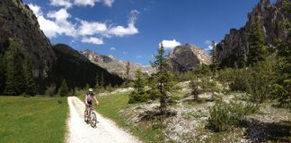 Free Cycling In Dolomites Stock Photography - 194464072