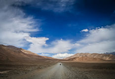 Cycling on tibetan plateau Royalty Free Stock Photography