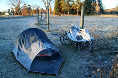 Cyclist�s tent Stock Photography